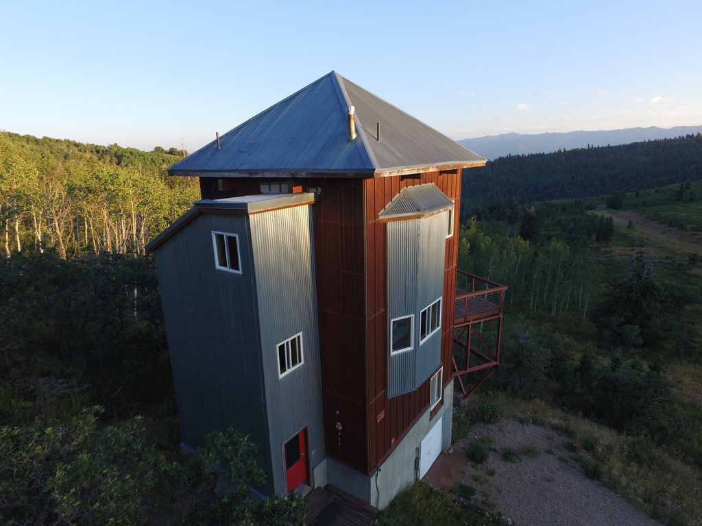 Top 5 family friendly glamping accommodations in utah for Affitto cabina park city utah